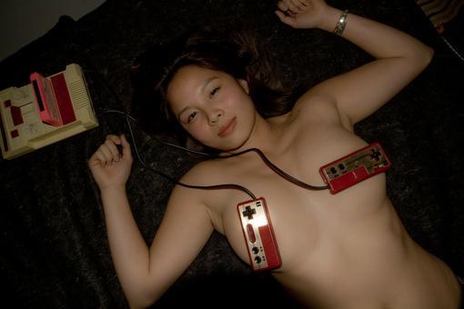 Если вы отвлечётесь от этой девушки и посмотрите на следующее фото, то увидите японский Buffalo BGCFC801 редкого чёр .... - Изображение 1
