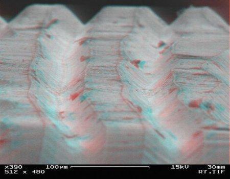 Уникальные снимки поверхности виниловых пластинок с большим увеличением, полученные с помощью электронного микроскоп .... - Изображение 2