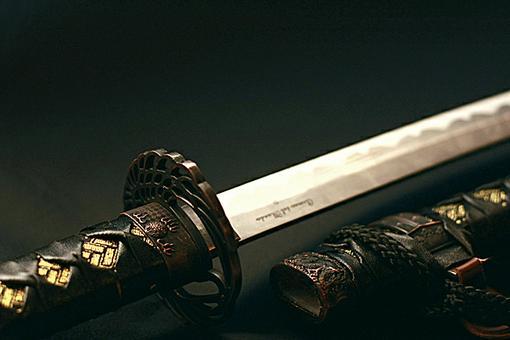 В бою самурайСмертоносен с катаной.Враг отступает...Катана - японский самурайский меч.Катана использовалась всадника .... - Изображение 1