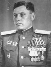 - лётчик-истребитель; первый трижды Герой Советского Союза.  Родился 6 (19) марта 1913 года* в городе Новониколаевск ... - Изображение 1