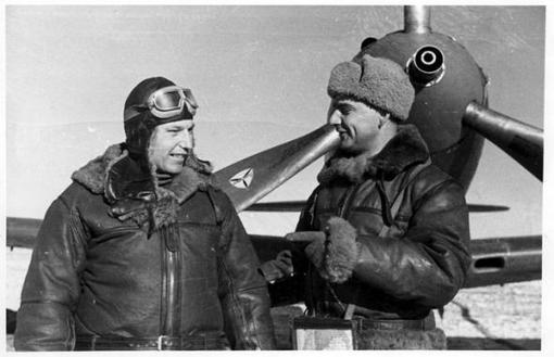 - лётчик-истребитель; первый трижды Герой Советского Союза.  Родился 6 (19) марта 1913 года* в городе Новониколаевск ... - Изображение 2