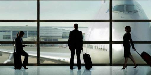 В контексте жизни на чемоданах у Джейсона Райтмана получилась многоплановая история сразу о многих вещах, большая ча ... - Изображение 1