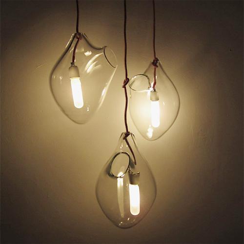 Плафон этого интересного светильника сделан вручную из дутого стекла. Форма плафона в точности повторяет форму челов ... - Изображение 2