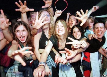 По моему мнению что бы рок группа стала успешной в ней должно быть 3 человека , это барабанщик , басист и вокал-гита ... - Изображение 1