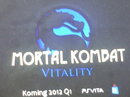 Кто-то, у кого есть доступ к разработке Mortal Kombat для PS Vita, сделал фотографию, на которой показаны дата выход ... - Изображение 1