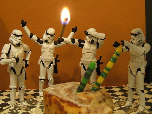 Заходим на праздничный торт! Всем буду рад! Но особенно буду рад, если принесете с подарки :) . Подарки я очень любл ... - Изображение 2