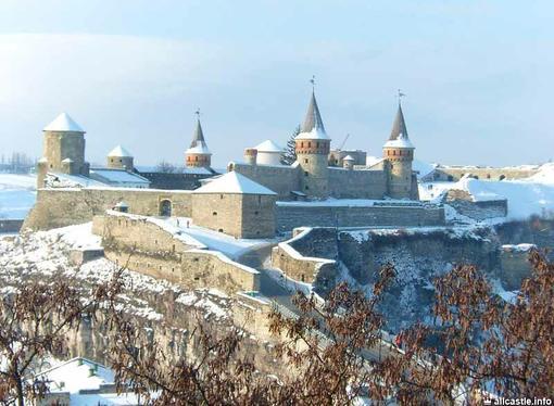 Однажды я со своим классом (а в то время это был 8-а) поехал на экскурсию в Каменец-Подольск.Путешествовали мы на по ... - Изображение 1