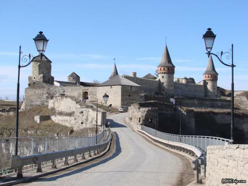 Однажды я со своим классом (а в то время это был 8-а) поехал на экскурсию в Каменец-Подольск.Путешествовали мы на по ... - Изображение 2