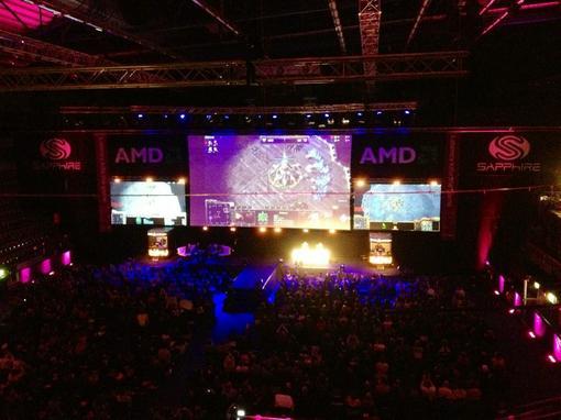 В самом легкозапоминаемом шведском городке Йёнчёпинг закончился последний турнир серии DreamHack 2011. Вживую соревн .... - Изображение 1