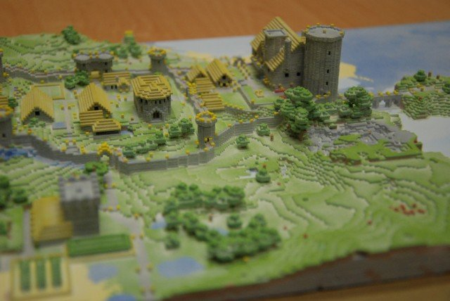 Суперквадратный инди-конструктор Minecraft продолжает захватывать мир, причем виртуальных просторов ему уже явно нед ... - Изображение 1