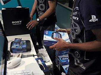 Двое россиян подали в суд на Sony за то, что произведенная ею карманная консоль PS Vita якобы нарушает их патент. Он ... - Изображение 1
