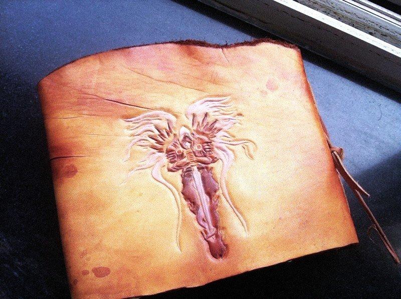 После потрясающих артов Diablo, выполненных на коже, мы представляем вам следующие работы, теперь это Тираэль.   бол .... - Изображение 1