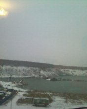Сегодня утром смотрю в окно- ничего не могу понять! Вроде бы ещё вчера светило солнце, а сегодня уже снег! - Изображение 1