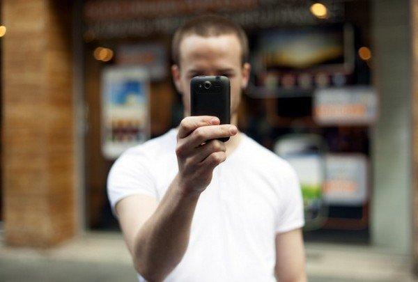 В последнем блокбастере Skyfall в кадр частенько попадает смартфон агента 007 - Sony Xperia T. В реальной жизни смар ... - Изображение 3