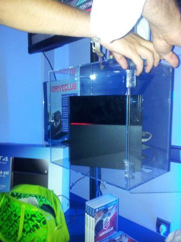 Перегретая PlayStation 4 будет показывать красную линию - Изображение 1