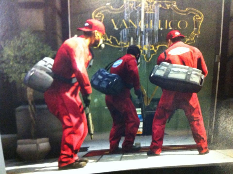 Рекламный постер GTA V нашли в коробке от Red Dead Redemption - Изображение 1