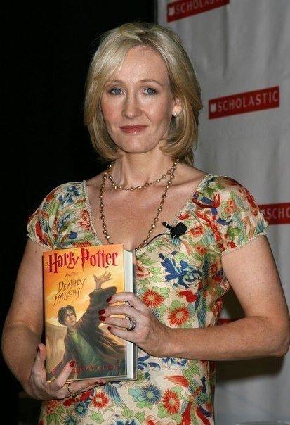 """Сегодня ровно 7 лет со дня мировой премьеры последней книги """"Гарри Поттер и Дары Смерти"""".  Уже целых 7 лет прошло. ... - Изображение 1"""