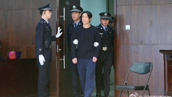Сын Джеки Чана приговорен в Китае к полугоду тюрьмы за содержание наркопритона. - Изображение 1