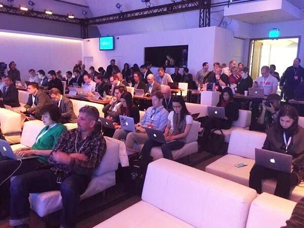 Журналисты пришли на презентацию Windows 10 с ноутбуками Apple)) - Изображение 1
