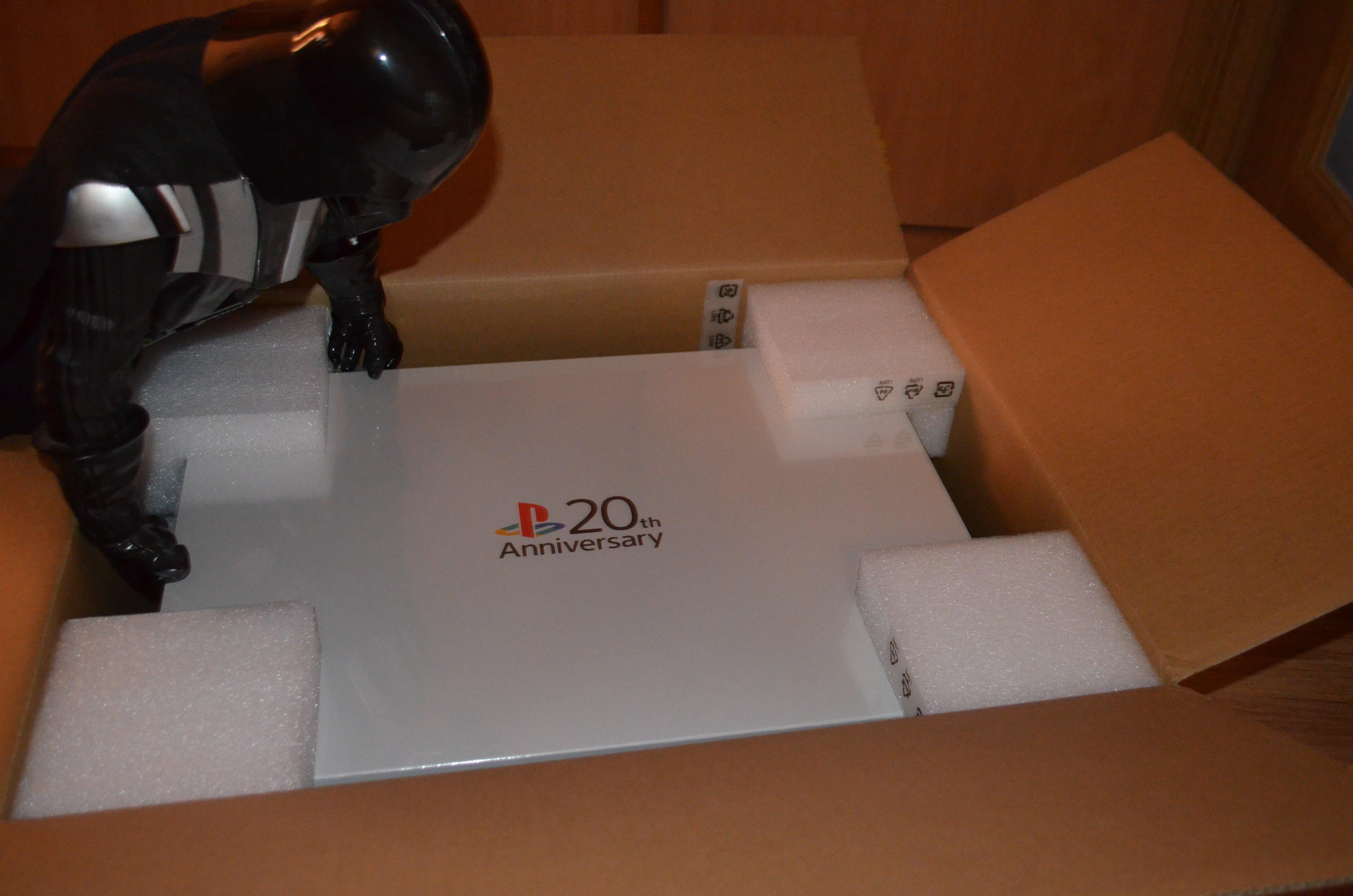 Анбоксинг Имперского издания Playstation 4 Anniversary Edition - Изображение 10