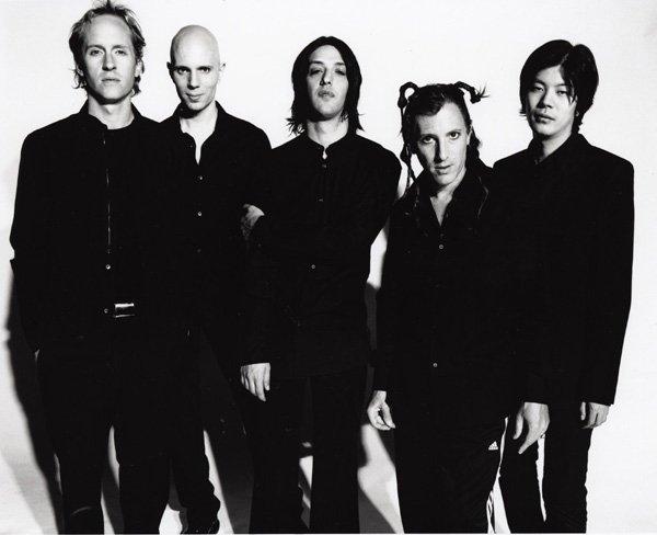 Сегодня исполняется 15 лет со дня выхода дебютного альбома (Mer de Noms) культовой американской рок группы A Perfe ... - Изображение 1