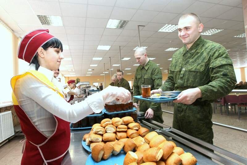 Российские солдаты будут получать еду по отпечаткам пальцев: Минобороны рассчитывает сэкономить 3,5  - Изображение 1