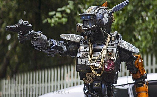 Робот по имени Чаппи. Бломкамп и трущобы...опять - Изображение 4