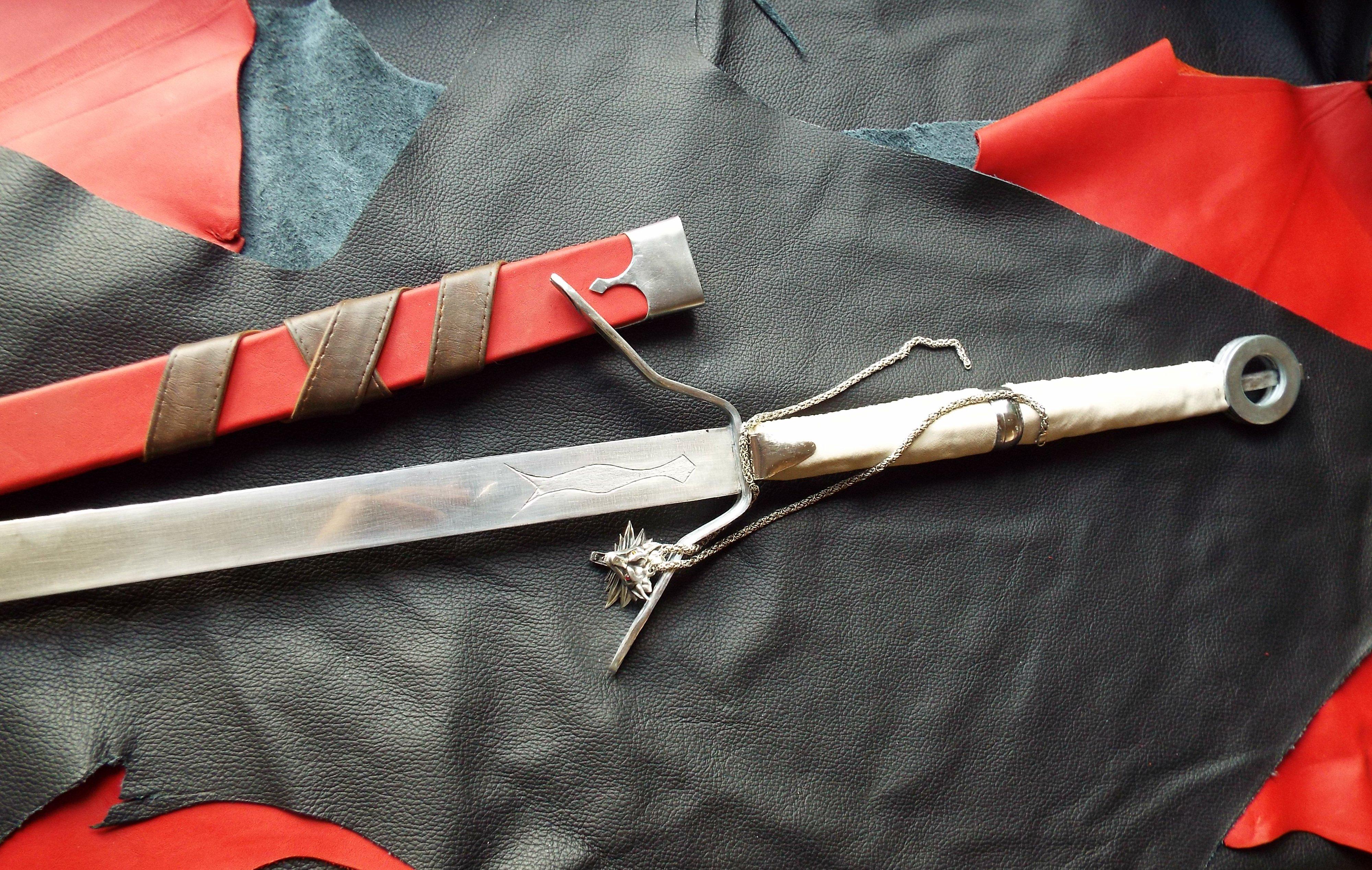 Как сделать меч как у ведьмака