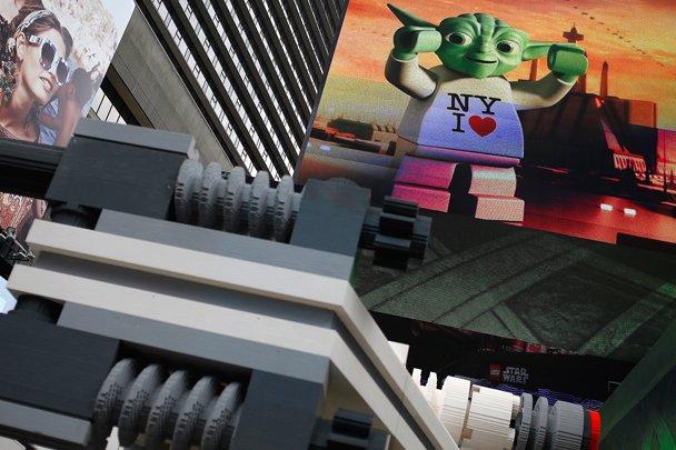 Самую большую модель LEGO – истребитель X-Wing из «Звездных войн», состоящий из 5 млн 300 тыс. частей – выставили на ... - Изображение 3