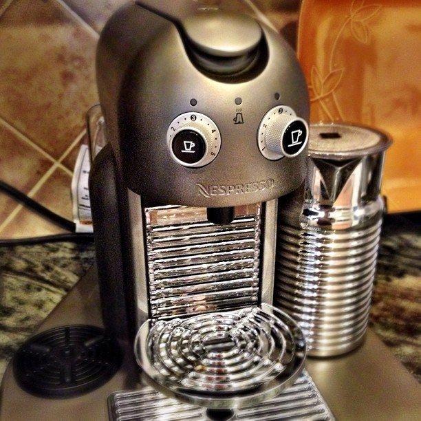 Эта кофеварка по-моему оч.похожа на глвного героя Machinarium. - Изображение 1