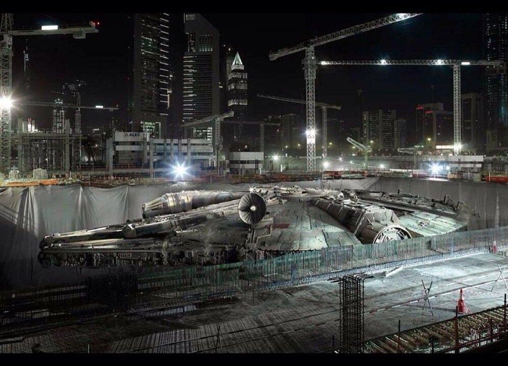 Для съемок VII эпизода #SW построили Милениум Фалкон в полный рост. Неплохо - Изображение 1