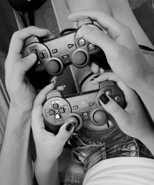 Побояню классикой  Если парень пытается научить тебя какой-нибудь игре, это значит, что ты - самый важный человек в  ... - Изображение 1