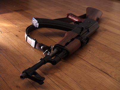 В США полицейские застрелили тринадцатилетнего мальчика c игрушечным автоматом в руках. Помощники шерифа приняли ору ... - Изображение 1