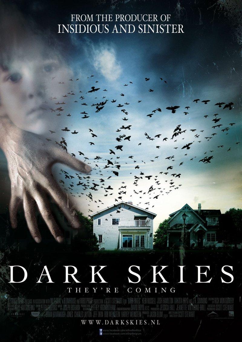 """""""Мрачные небеса"""" - довольно неплохой мистический хоррор с лёгким налётом драмы. Фильм звезд с неба не хватает, даже  ... - Изображение 1"""