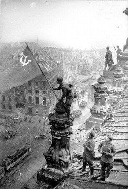 Давайте поговорим о майских праздниках. У нас тут и день труда прямиком из СССР и день победы. Кстати Первомай отмеч ... - Изображение 1