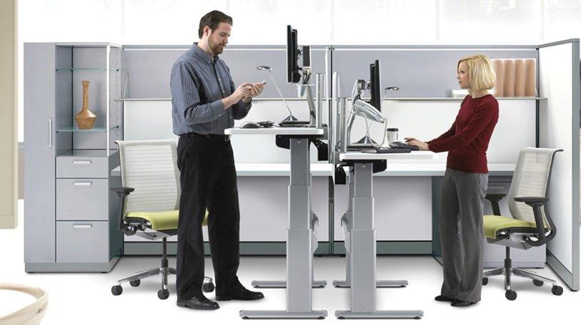 Стоячая работа вофисе несомненно поможет сбросить лишний вес