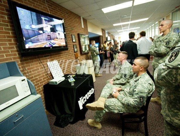 Жалко каких-нибудь американских вояк, служащих в море/арабской стране без интернета. Они не смогут активировать игры .... - Изображение 1