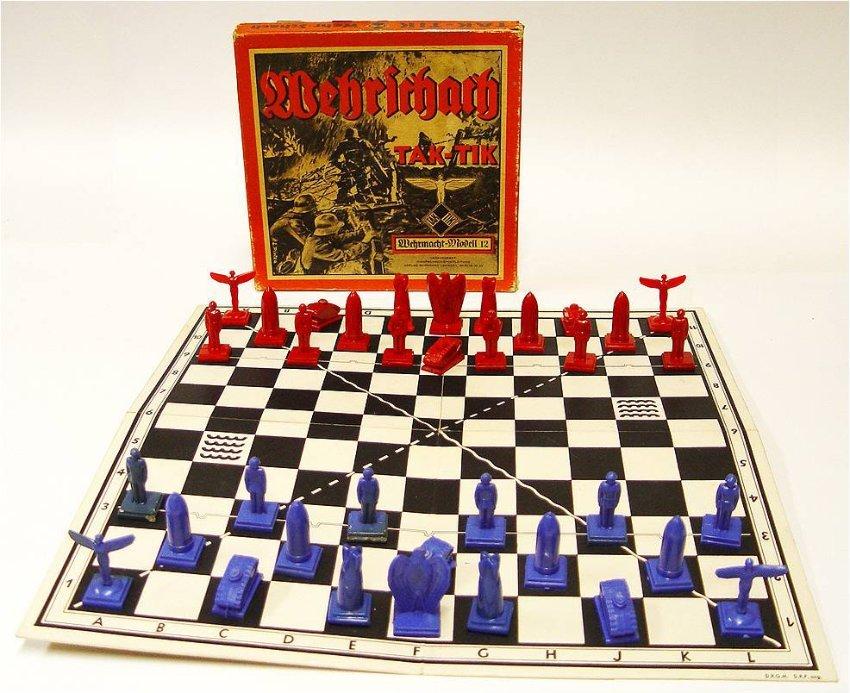 «Wehrschach» («Военные шахматы»)/»Tak-tik» издало в 1938 г. издательство Вермахта. Игра напоминала, в некотором роде ... - Изображение 1
