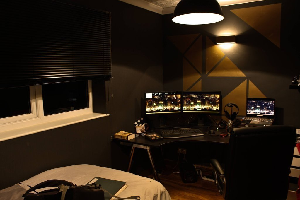Оформил комнату В стиле Киберпанк ((Deus EX))  - Изображение 1