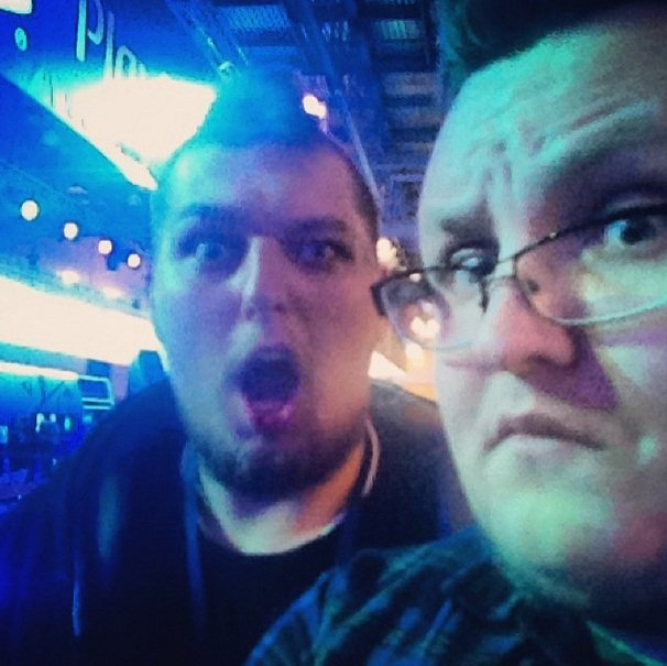 Вот так мы с Денис Бейсовский смотрели презентацию Sony, которая вместо заявленного часа шла 2+ - Изображение 1