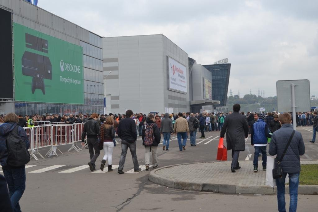 Очередь на Игромир-2013 в субботу через 2 часа после открытия. - Изображение 1