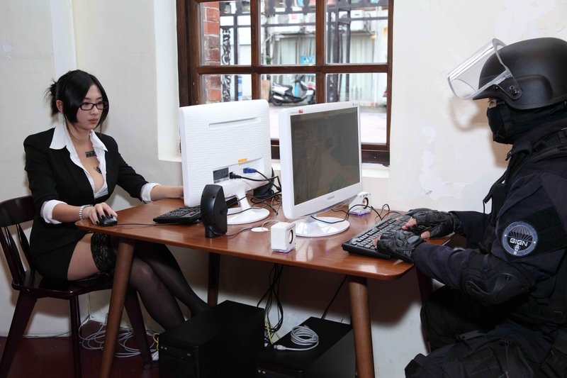 """Counter-Strike обучает китайских полицейскихкомандному взаимодействию.  Агентство """"Синьхуа"""" сообщает о том, что кита ... - Изображение 1"""