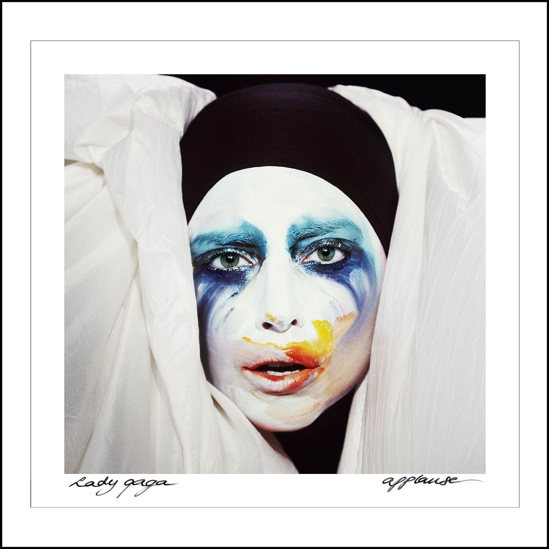 Популярная американская певица #LadyGaga, известная скандальными видео, отличными песнями и пристальным вниманием де ... - Изображение 1
