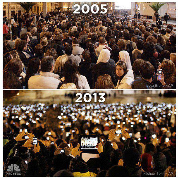 Так люди в Ватикане приветствуют нового Папу. Технический прогресс на лицо.  . - Изображение 1