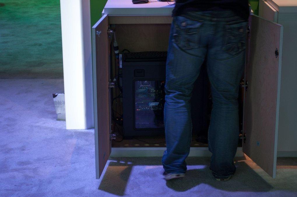 """Демо-стенды с играми Xbox One были запущены на ... РС!  """"Только что играл в игру для Xbox One с помощью геймпада Xbo ... - Изображение 1"""