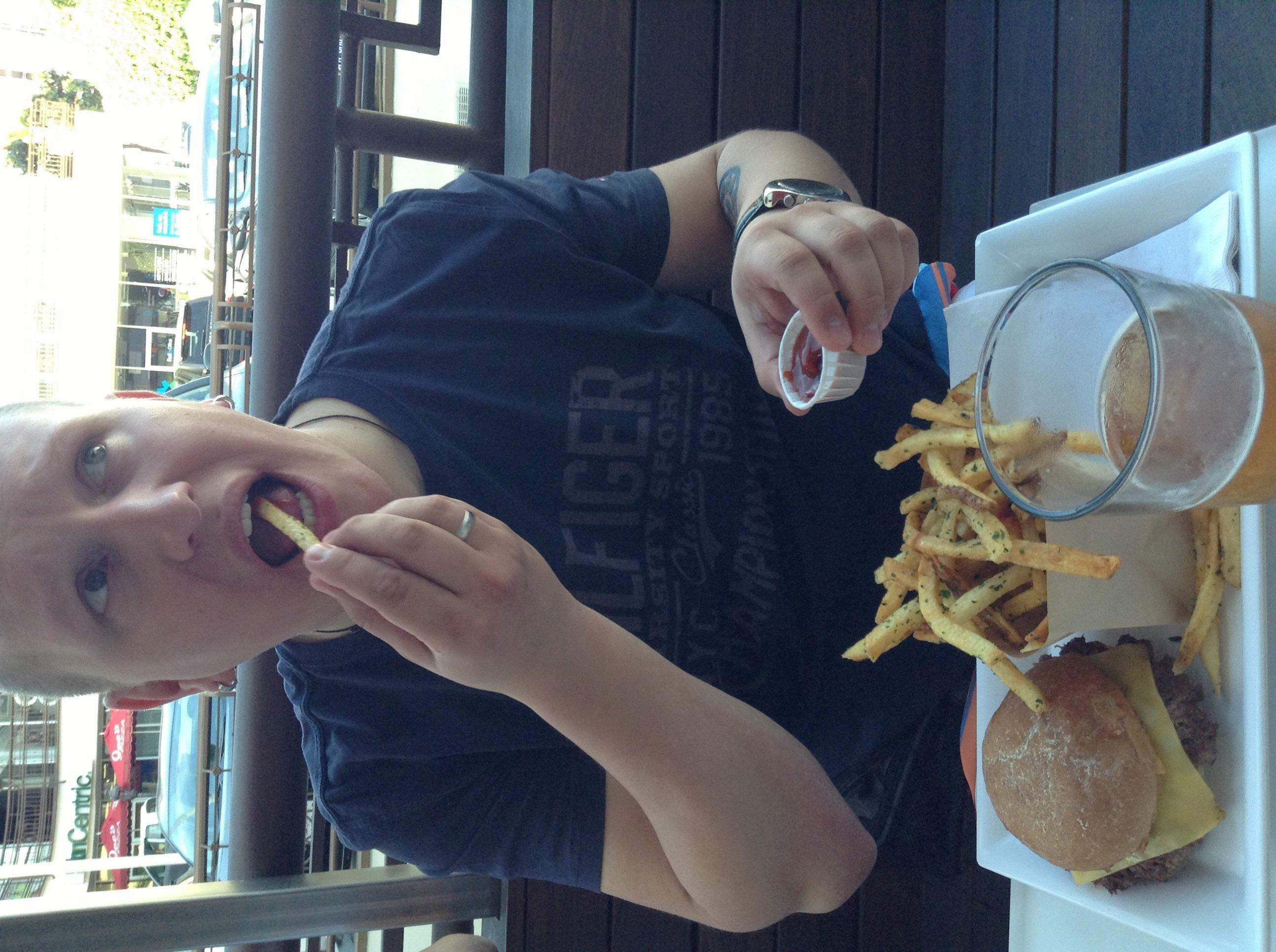 Петр одобряет органический кетчуп и котлеты из коровок, откормленных без гормонов и антибиотиков ок! - Изображение 1