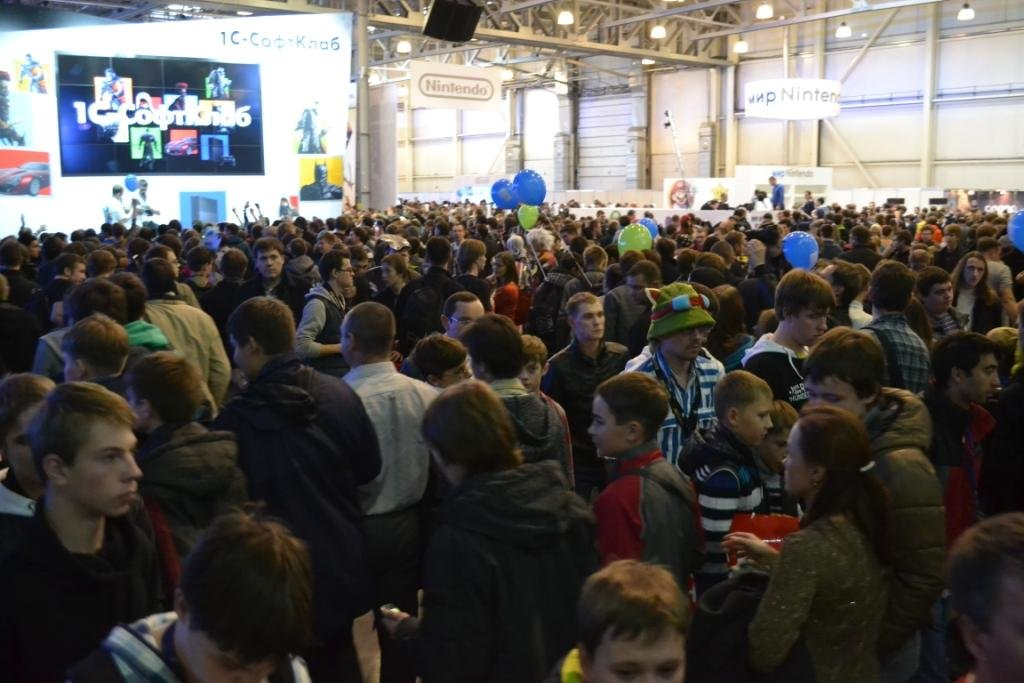 А вот сколько народу было внутри. - Изображение 1