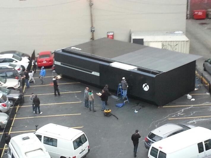 Жители Ванкувера (Британская Колумбия, Канада) вскоре смогут увидеть в своем городе гигантскую консоль Xbox One. Что ... - Изображение 1