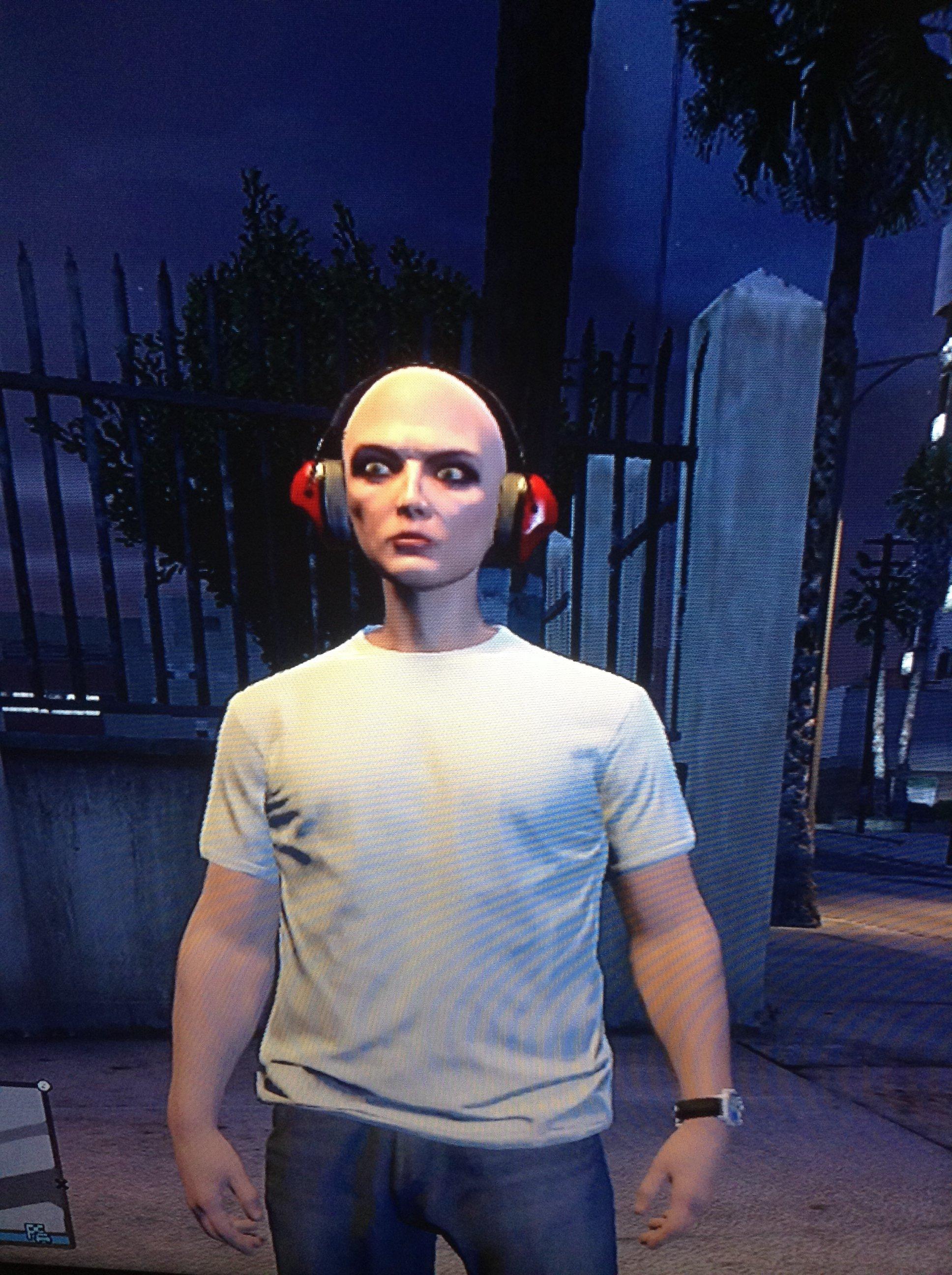 Создал вчера часов 16 в персонажа в GTA Online, поиграл с часок-другой (ДА, Я ПРОБИЛСЯ!), потом уже вечером захожу и ... - Изображение 1