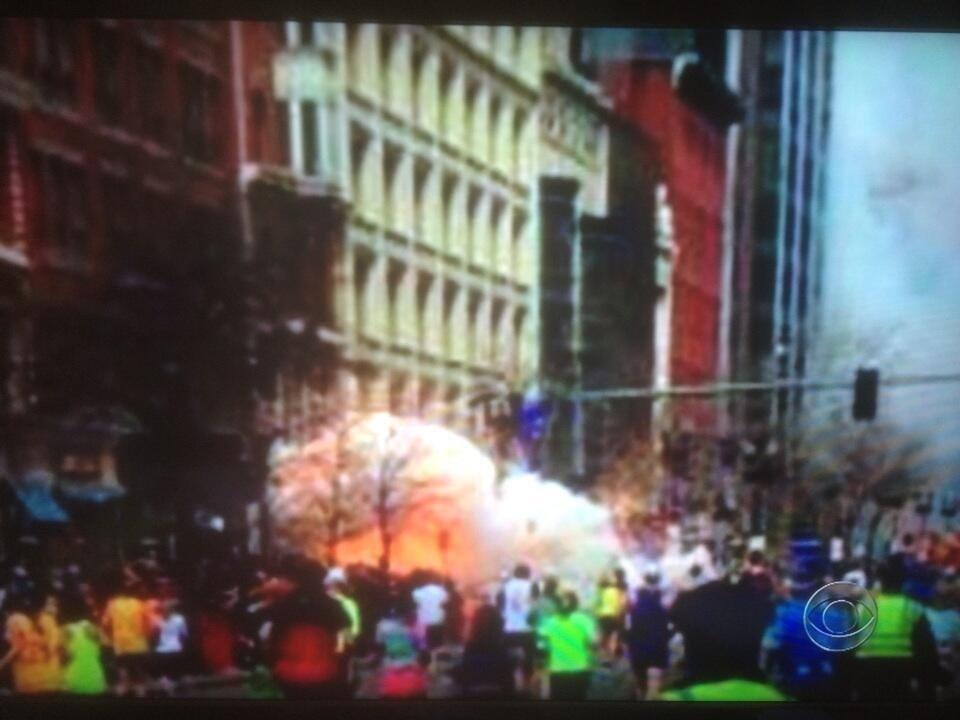 В Бостоне сейчас полный аврал: прогремело два мощных взрыва на крупнейшем марафоне. Смахивает на Call of Duty. Фото 18+ - Изображение 1